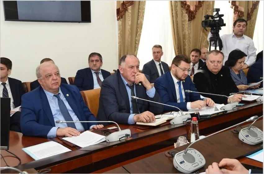 Артем Здунов раскритиковал работу республиканских министерств