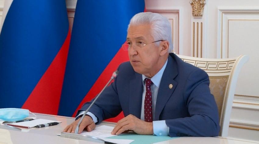 Владимир Васильев обсудил вопросы кадрового обеспечения в сфере строительства