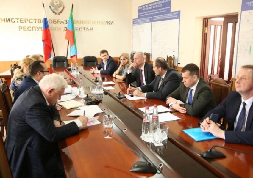 Яхья Бучаев встретился главой Рособрнадзора Анзором Музаевым