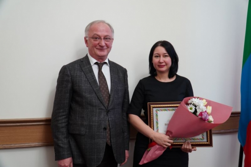 Сотрудниц АГИП Дагестана отметили государственными наградами