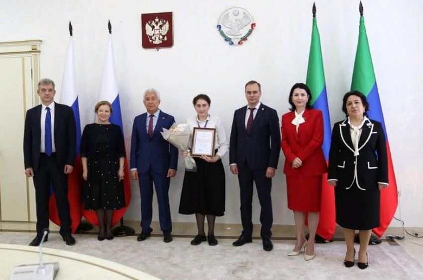 Владимир Васильев встретился с молодыми профессионалами Дагестана