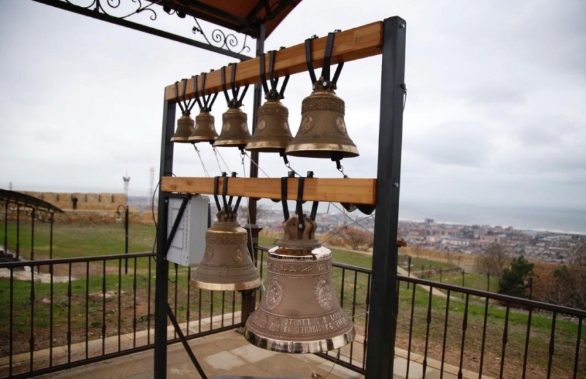 В Дербенте на крепости «Нарын-Кала» открыли звонницу