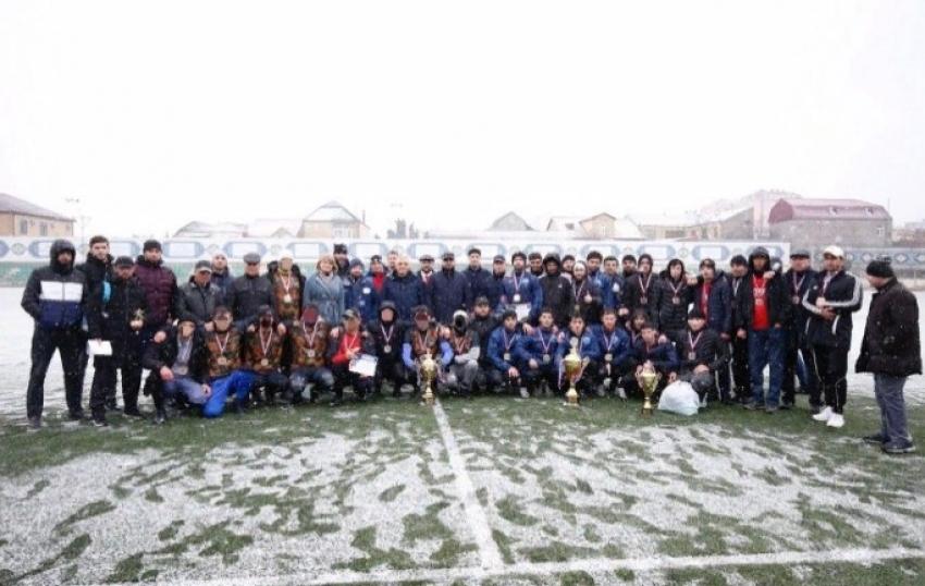 Команда каспийского ОМОН завоевала серебро футбольного турнира в Дербенте