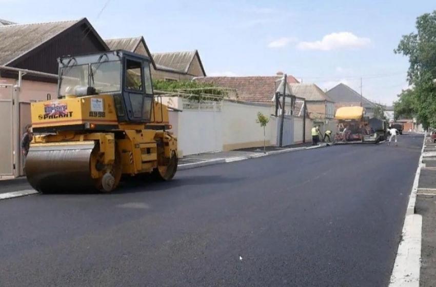 По проекту «Мой Дагестан – Мои дороги» отремонтировали 384 улицы
