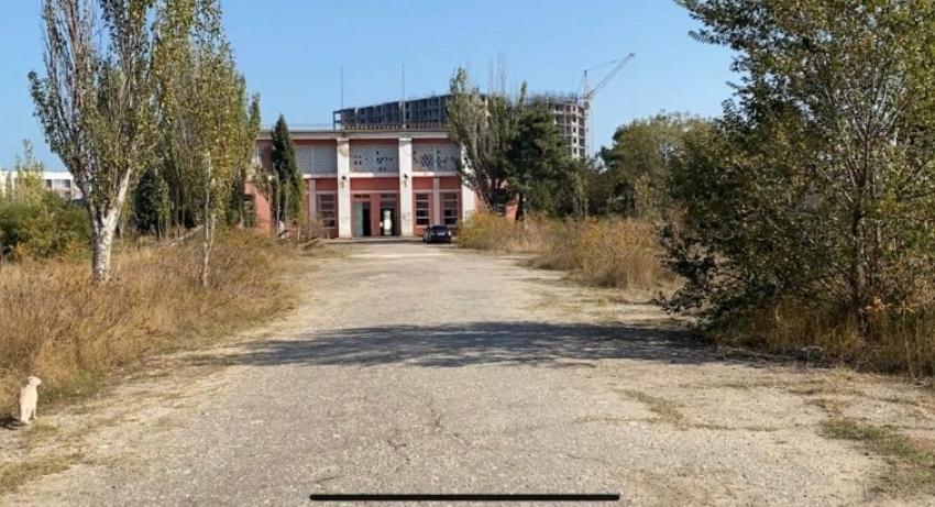 Стадион «Труд» в Каспийске отремонтируют с учетом пожеланий горожан