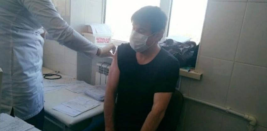Заместитель главреда газеты «Илчи» сделал прививку от коронавируса