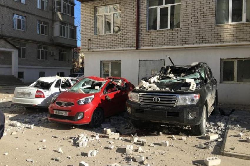 В Каспийске обрушился балкон многоэтажного дома