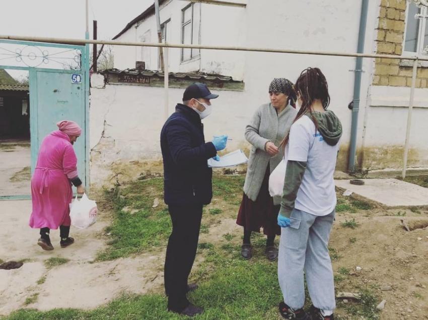 Нуждающихся жителей Дагестанских Огней обеспечили продуктовыми наборами