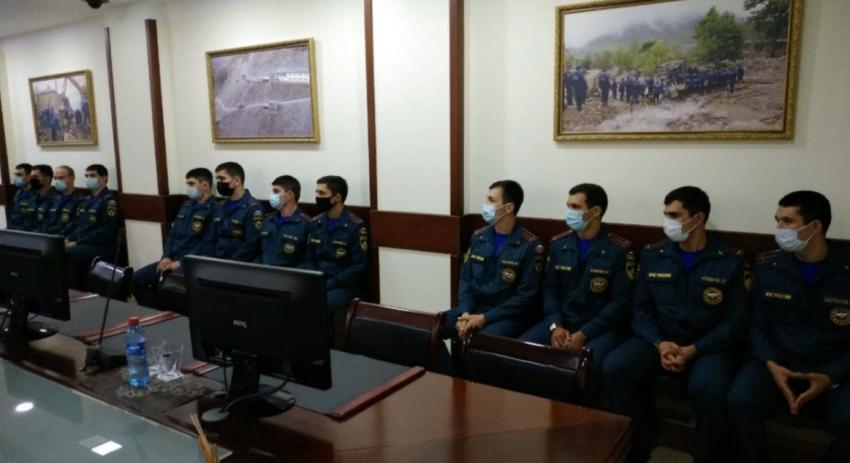 Нариман Казимагамедов встретился с выпускниками вузов МЧС России