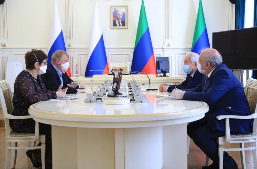 Васильев встретился с Анатолием Чубайсом и Анной Федермессер