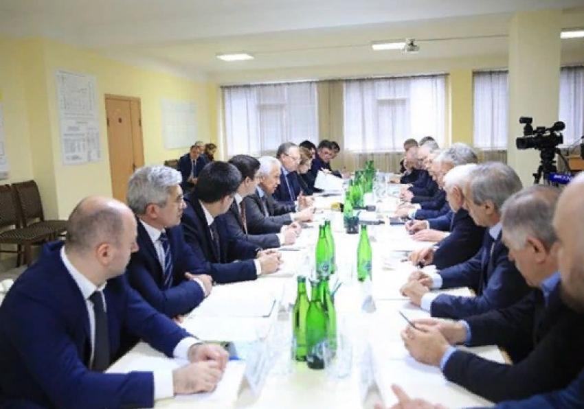 Владимир Васильев встретился с руководителями промышленных предприятий