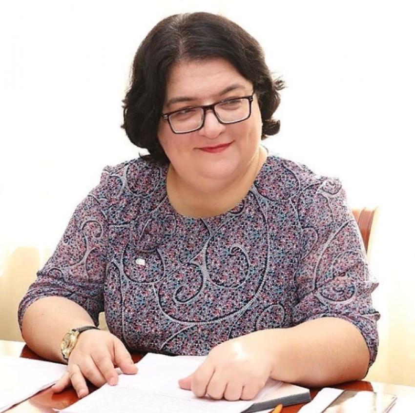 Патимат Омарова: «Меня радуют поправки, повышающие внимание к проблемам воспитания и молодежной политики»