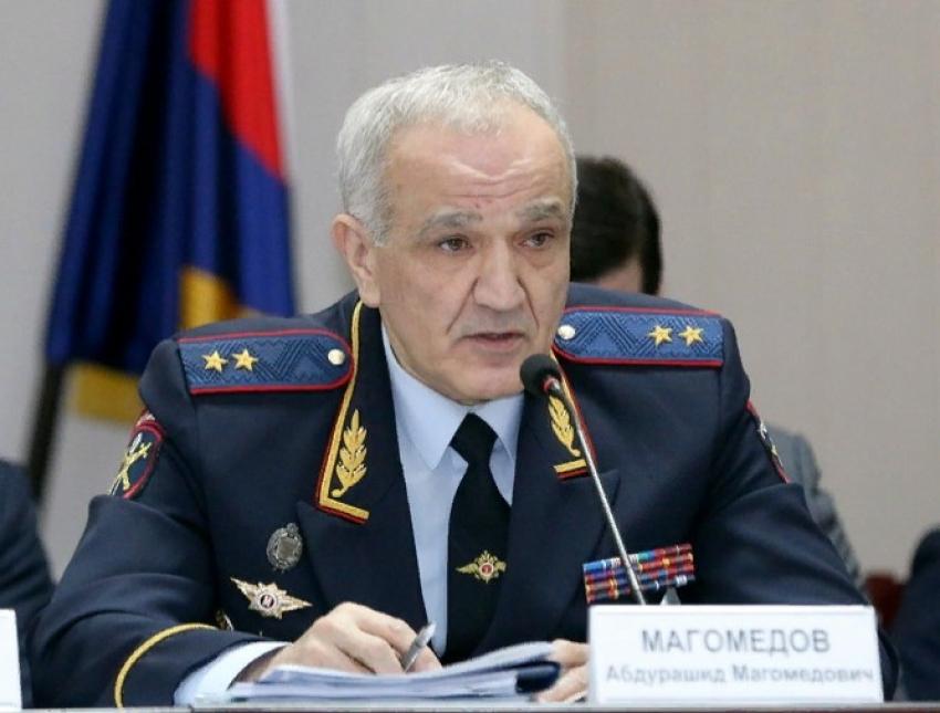 Глава МВД Дагестана привился от коронавируса