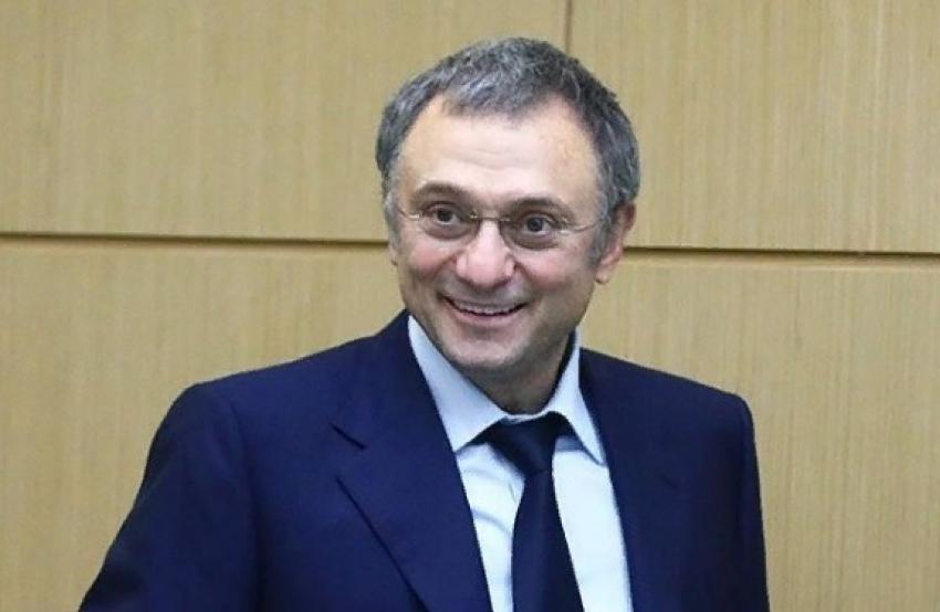 Сулейман Керимов выделит премии медикам Дербента