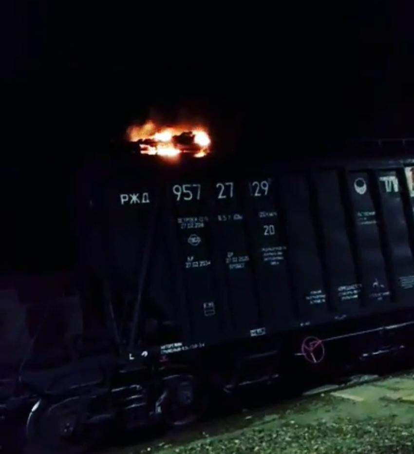 В Дагестане на крыше вагона заживо сгорел 15-летний подросток