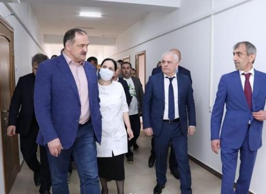 Сергей Меликов побывал в поликлинике в Даг. Огнях