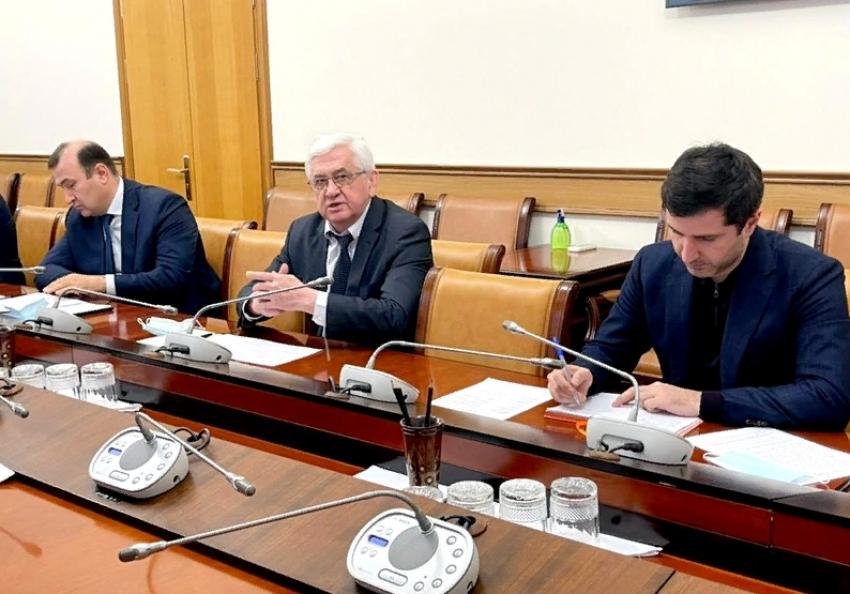 В правительстве РД прошло совещание по строительству автодороги в обход Дербента