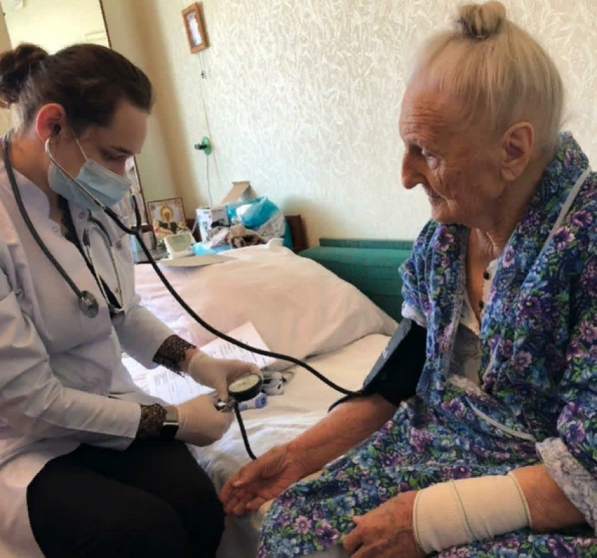 В Дагестане от COVID-19 вакцинируют ветеранов ВОВ