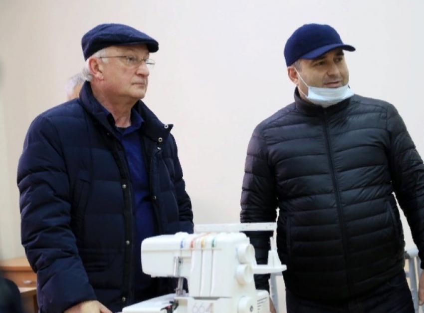 Амирханов побывал в учреждениях образования Махачкалы и Каспийска