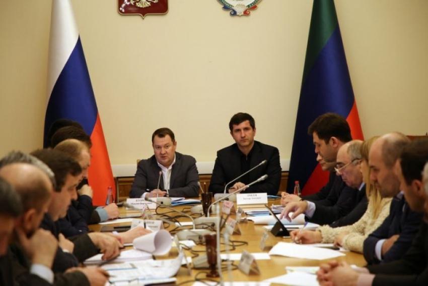 Дагестан посетил замглавы Минстроя РФ Максим Егоров