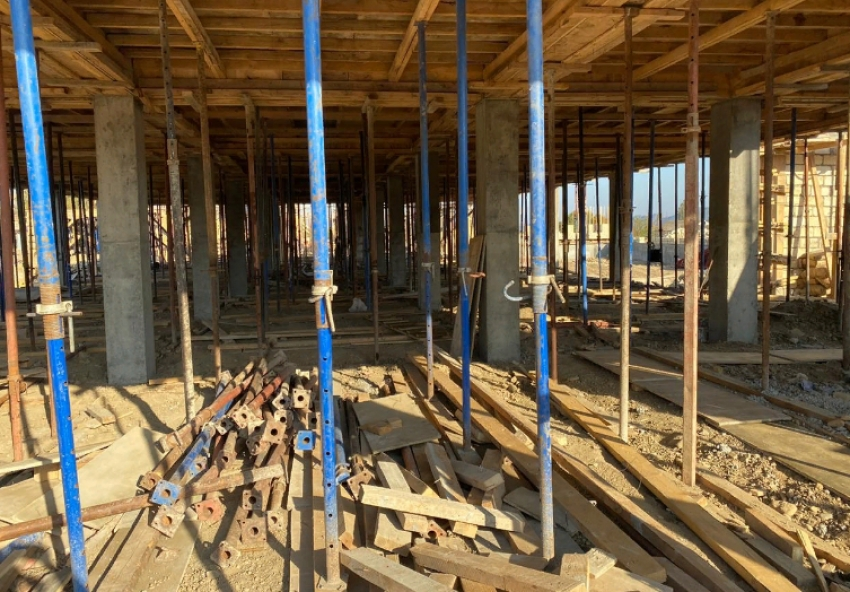 Джамбулат Хатуов посетил объекты строительства Сулейман-Стальского района