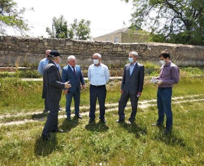 Джалалутдин Алирзаев посетил объекты благоустройства Дагестанских Огней