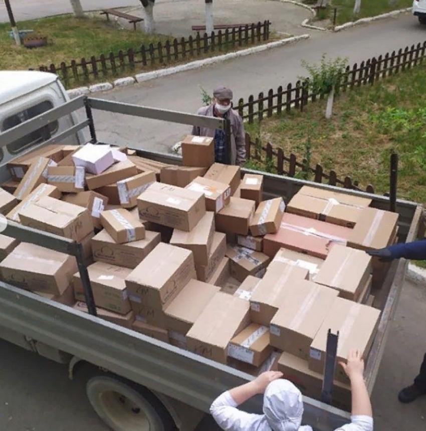 Меценат передал ЦГБ Кизилюрта лекарства на 500 тыс. рублей⠀