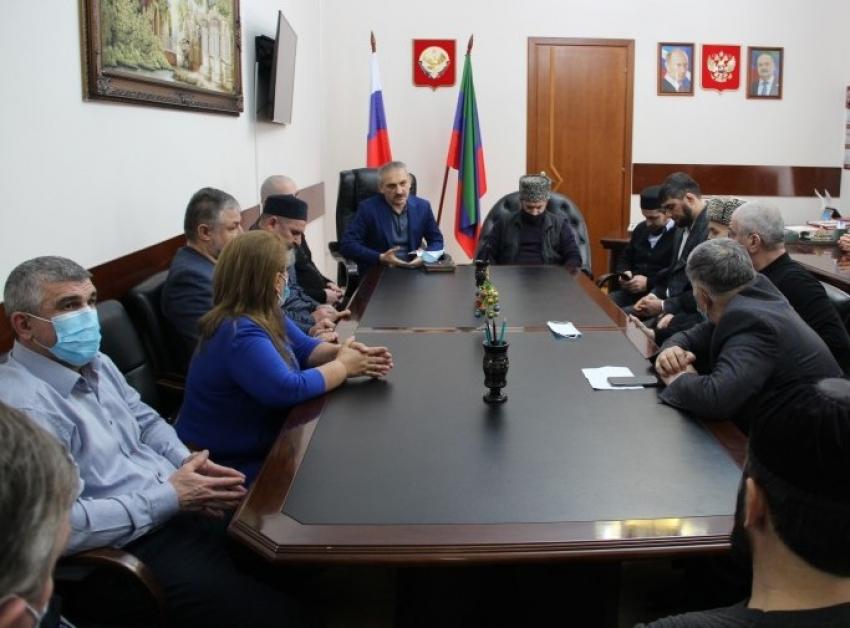 Глава Миннаца РД встретился с представителями поселков Тарки, Кяхулай и Альбурикент
