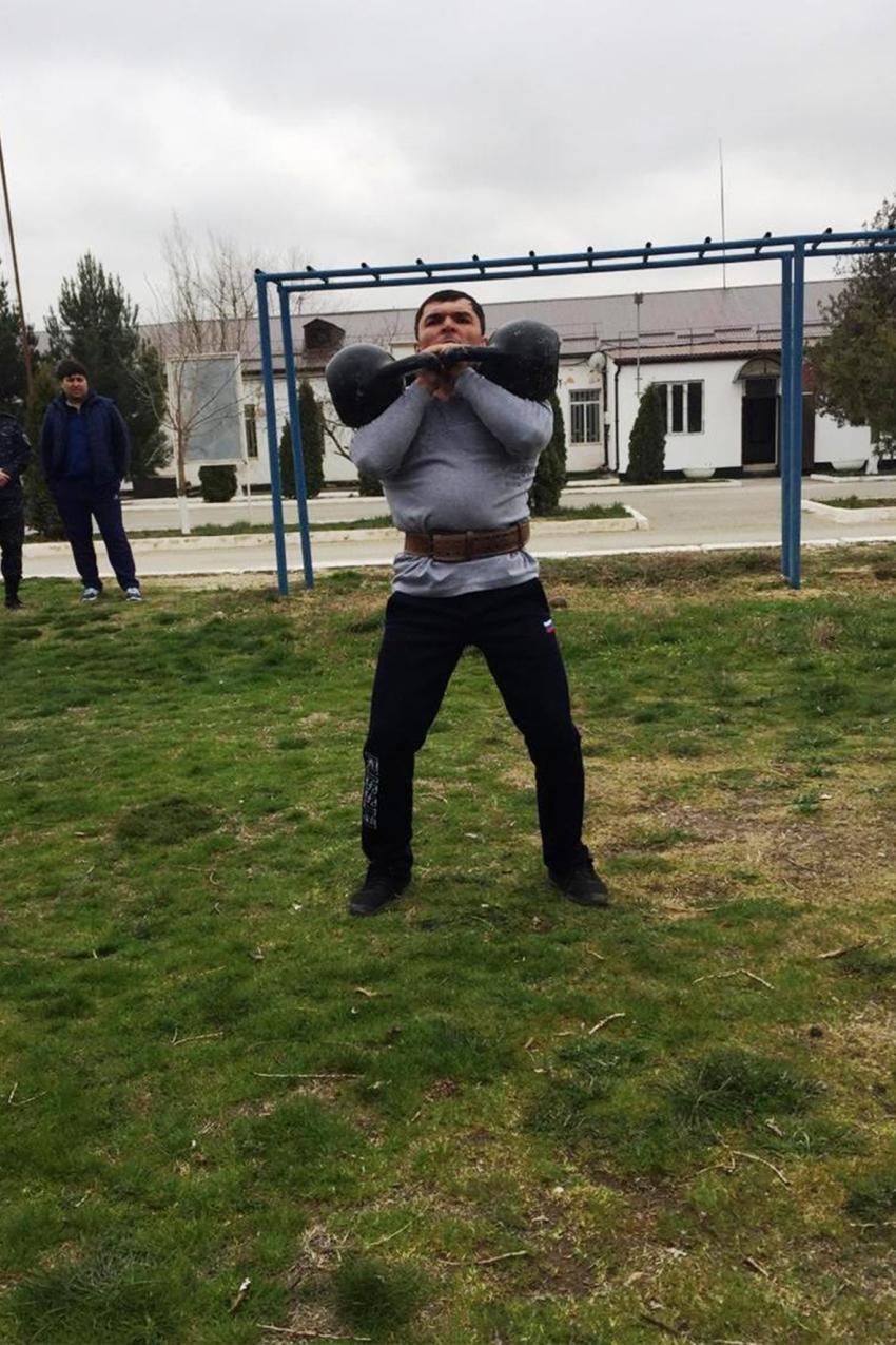 В УФСИН России по РД прошли соревнования среди гиревиков