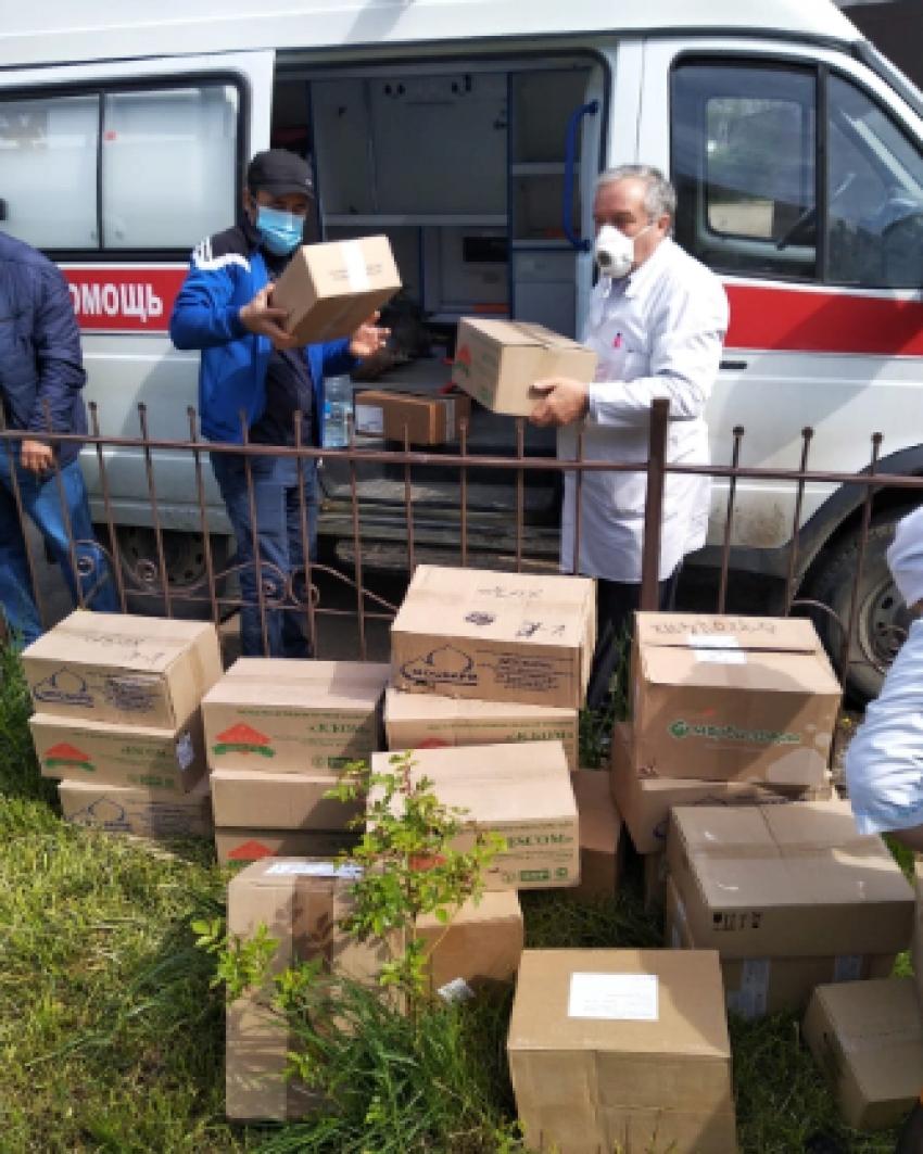 Выходцы из Хивского района оказали ЦРБ гуманитарную помощь