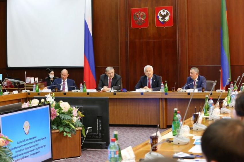Глава Дагестана встретился с руководителями контрольно-счетных органов