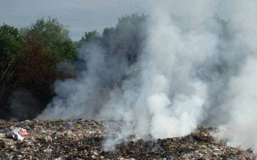 В Кизляре и Хивском районе дымят мусорные полигоны
