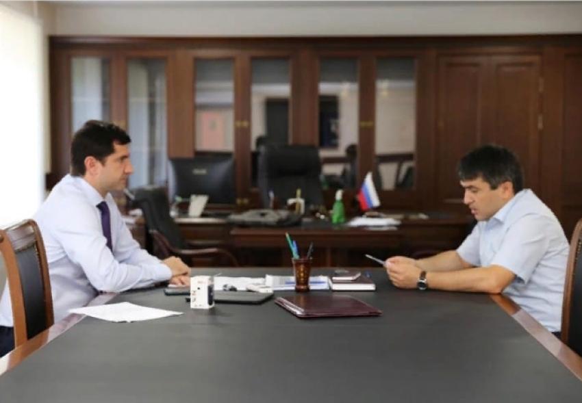 Батыр Эмеев встретился с главой Табасаранского района