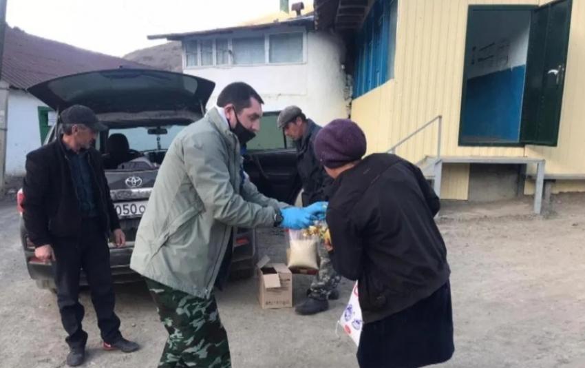 Молодежь Рутульского района оказывает помощь малоимущим гражданам