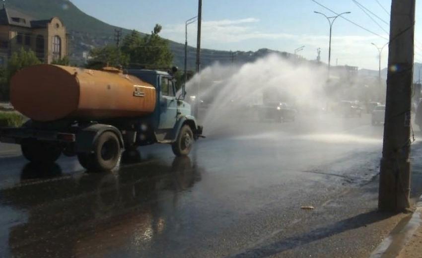 В Махачкале усилена работа по аэрации дорог