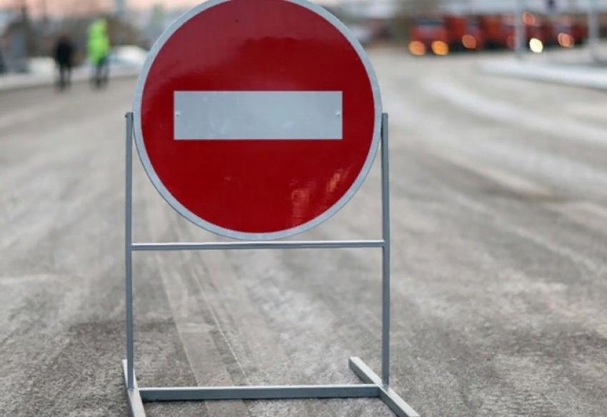 В Махачкале и Каспийске 2 августа ограничат движение транспорта