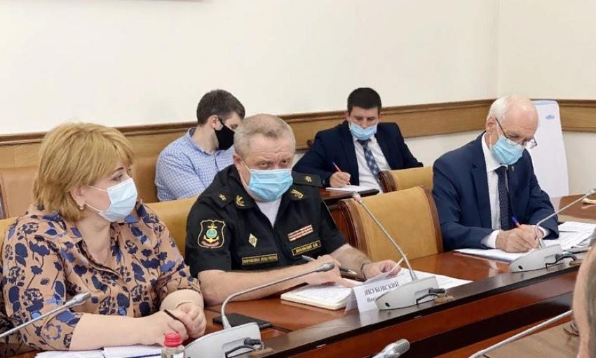 В правительстве Дагестана обсудили подготовку к параду Победы