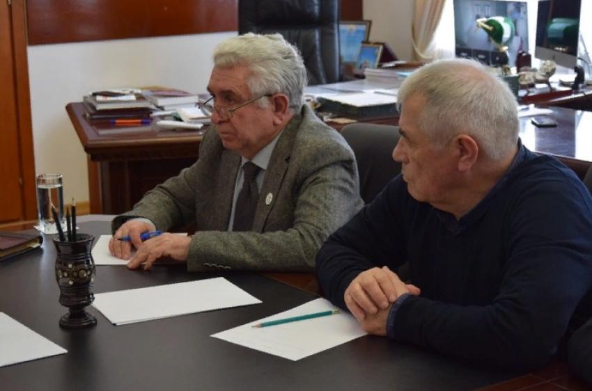Энрик Муслимов встретился с представителями экспертного сообщества