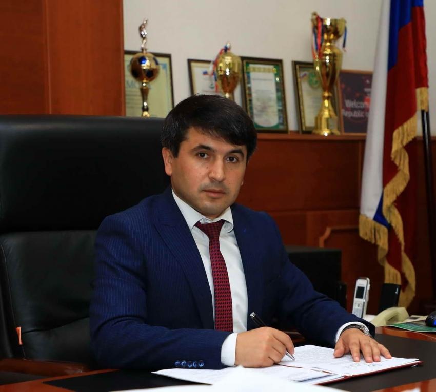 Глава Табасаранского района поздравил с Днем защитника Отечества