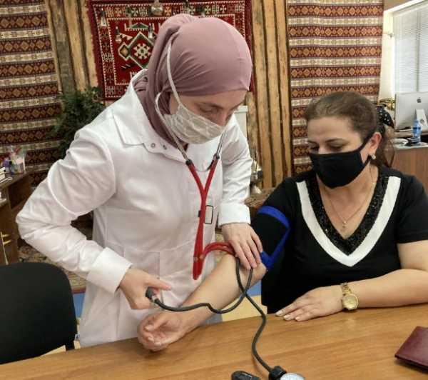 В ДГУНХ вакцинировались свыше 200 сотрудников вуза