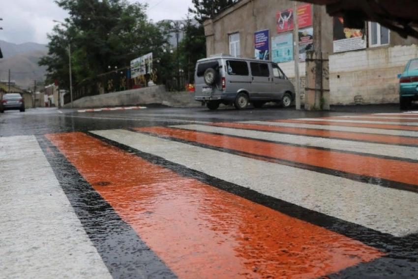 В райцентре Ахтынского района обновлены 3 улицы