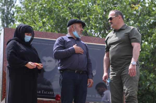 Сергей Меликов навестил родителей братьев Гасангусейновых в селе Гоор-Хиндах