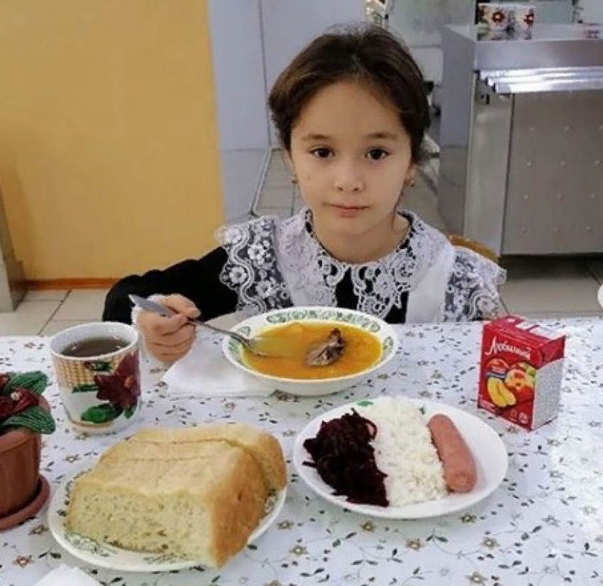 Во всех школах Дагестана предоставляется горячее питание