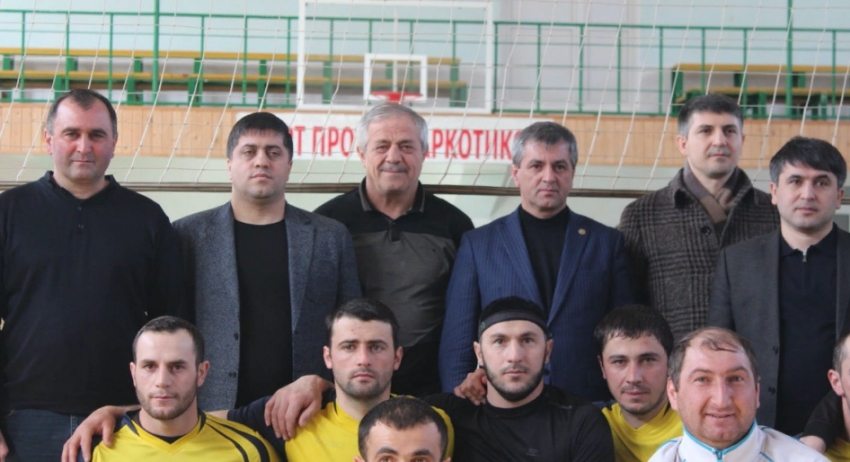 В Хивском районе ко Дню защитника Отечества провели турнир по волейболу