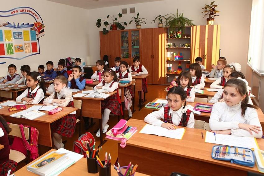 В Дагестане до 2021 года ликвидируют трехсменное обучение