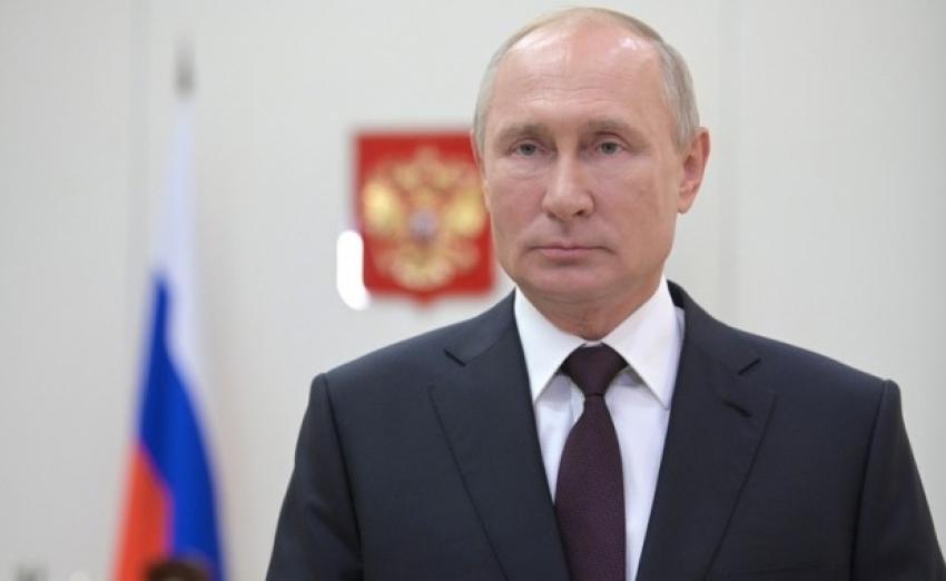 Президент России поздравил дагестанцев со 100-летием ДАССР