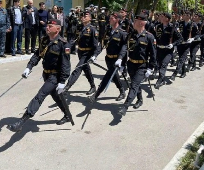 Глава Минздрава Татьяна Беляева поздравила ветеранов в Каспийске