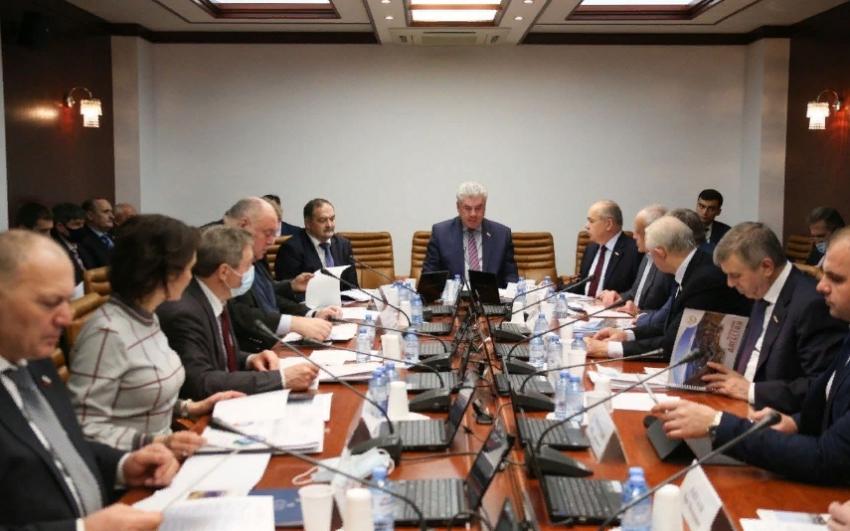В Совфеде поддержали предложение об ускорении реконструкции махачкалинского аэропорта
