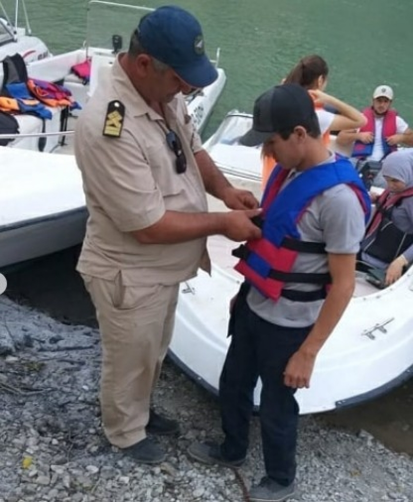 Сотрудники МЧС Дагестана провели рейд на Чиркейском водохранилище