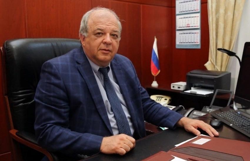 Председатель правительства Дагестана Артём Здунов ушёл в отпуск
